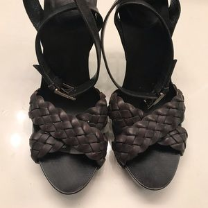 Gucci Shoes - Gucci braided leather sandals size 9